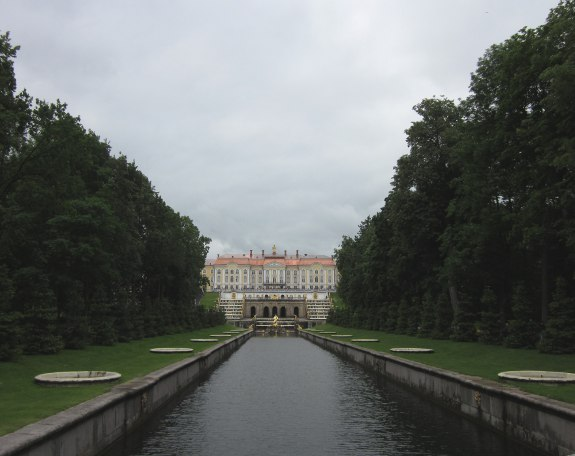 Peterhof vanaf de kant van de Finse Golf