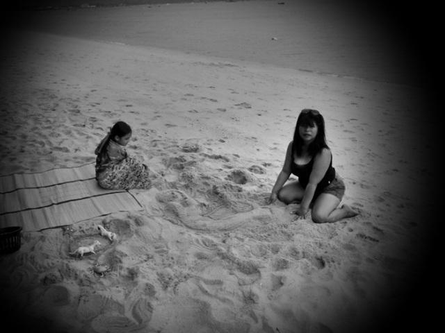 Ning en Menne, de dochter van een vriend van ons tijdens een medidatief moment...